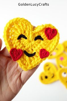 Crochet heart-shaped Emoji pattern, Smiling Face With Hearts Emoji, In Love Face Emoji, crochet applique, free pattern, Valentine's Day gift idea, decoration, embellishment,  #crochetheart, #crochetmotif, #crochetproject, #crochetpattern Crochet Birds, Crochet Bear, Cute Crochet, Crochet Motif, Baby Blanket Crochet, Crocheted Flowers, Crochet Food, Crochet Animals, Easy Crochet