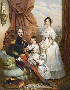 Queen Victoria with family Victoria Queen Of England, Queen Victoria Family, Queen Victoria Prince Albert, Victoria And Albert, Tudor History, British History, Victorian Women, Victorian Era, Royal King