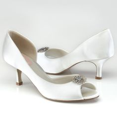 Lace Kitten Heel Pointy Toe/ Closed Toe Wedding Shoes(More Colors ...