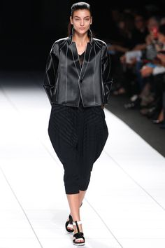 Issey Miyake Spring 2014 Ready-to-Wear Collection Slideshow on Style.com Look 5