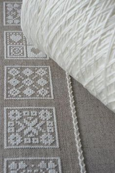 The white thread in the asphalt linen would look nice, especially with the bunny embroidery. Cross Stitch Borders, Modern Cross Stitch Patterns, Cross Stitching, Embroidery Applique, Cross Stitch Embroidery, Embroidery Patterns, Blackwork, Embroidery Techniques, Needlepoint
