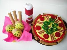 Happy Pizza PDF Felt Food Sewing Pattern by julyhobby on Etsy Food Patterns, Sewing Patterns, Felt Pizza, Sushi, Happy Fruit, Felt Fruit, Felt Play Food, Felt Gifts, Sweet Chili