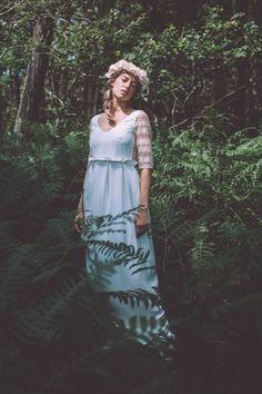La mariée aux pieds nus - Photo : Laurence Revol - Robe de mariée Lorafolk - Collection 2016 - Modele Alma Brodée