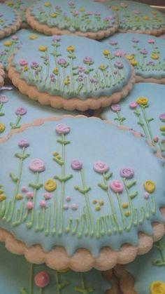 Flores en galletas de azúcar por TreatsbuyTerri en Etsy