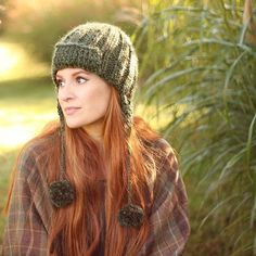 New on the blog - #knitting pattern for this trapper hat 🍁 #blogger #knittersofinstagram #diy #madewithmichaels #fallvibes