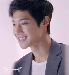 Kim Hyun Joong just look at those eyes!
