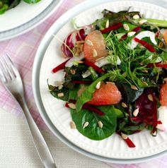 Perfect easy salad that's full of flavor! Winter greens with fennel, grapefruit and beets. I love this colorful, flavorful combo! #vegan #candida @rickiheller