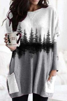 Sweety Holiday Nature Landscape Forest Treetop Print Pockets Color-block T-shirt Blouse Ethnique, Trendy Clothes For Women, T Shirts For Women, Violet Rouge, Thing 1, Hoodie Sweatshirts, Basic Tops, Online Shopping Clothes, Online Clothes
