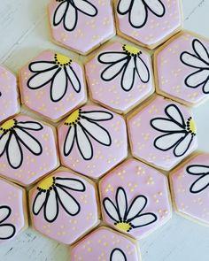 Flower Sugar Cookies, Leaf Cookies, Mother's Day Cookies, Iced Sugar Cookies, Mini Cookies, Fancy Cookies, Cute Cookies, Easter Cookies, Royal Icing Decorated Cookies