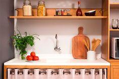 Que tal apostar em prateleira de Parede na sua cozinha?