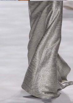 Geleceğe gümüşlü adımlar...#fashion #silver #allinsilver #grey #allingrey