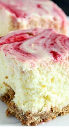 Two of my most favorite things- lemon and cheesecake! Lemon Raspberry Cheesecake Squares ~ A smooth and creamy lemon cheesecake with a raspberry swirl topped on a homemade graham cracker crust. Cheesecake Squares, Cheesecake Recipes, Oreo Cheesecake, Pumpkin Cheesecake, Homemade Cheesecake, Classic Cheesecake, 13 Desserts, Dessert Recipes, Health Desserts