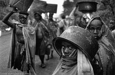 "Sebastiao Salgado, photographer of ""Migrations"" Minimalist Photography, Urban Photography, Underwater Photography, Color Photography, Children Photography, Street Photography, Social Photography, Digital Photography, Edward Weston"