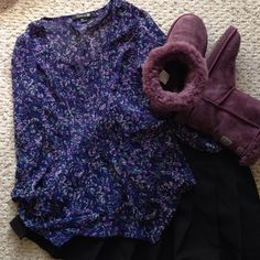 FLORAL BLOUSE Forever 21 floral blouse! Has 2 missing clasps shown in the picture above! The price is low due to the defects! Forever 21 Tops Blouses