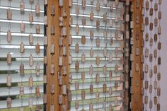 Selber gebauter Vorhang aus Korkzapfen.