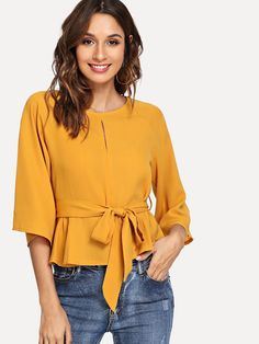 SheIn offers Raglan Sleeve Knot Peplum Top & more to fit your fashionable needs. Modest Outfits, Casual Outfits, Fashion Outfits, Peplum Tops With Sleeves, New Designer Dresses, Western Tops, Plain Tops, African Print Dresses, Blouse Dress
