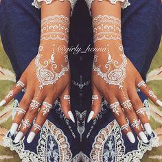#blessedFriday  . . #girly#mydesigns#whitehenna#blackhenna#lovelyhenna@hudabeauty#whitehenna#girlyhenna@voguethreads#fashionedvine#girly_henna#zukreat#voguethreads#vegas_nay@vegas_nay#fashion#love@wakeupandmakeup@makegirlz#nails#makeup#hudabeauty#dollhousedubai#beauty#Uae#dubai#business • الراعي الرسمي @glamourcandles @glamourcandles . . ❄️❄️❄️