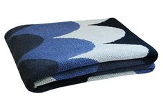 One Kings Lane - Easy Layers - Pez Eco Throw, Azul