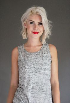 I want my hair ice platinum and this choppy end Bob I love to grow my hair too!