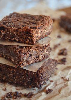 Brownies de avena Blondie Brownies, Cheesecake Brownies, Brownie Recipes, Dessert Recipes, Desserts, Pastry And Bakery, Brownie Bar, Sin Gluten, Party Cakes