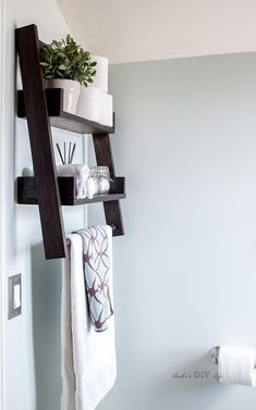 Breathtaking 36 Amazing and Easy DIY Floating Shelves Makeover http://homiku.com/index.php/2018/04/03/36-amazing-and-easy-diy-floating-shelves-makeover/