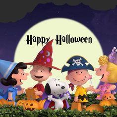 The Peanuts Gang Halloween! Charlie Brown Halloween, Peanuts Halloween, Charlie Brown And Snoopy, Cute Halloween, Halloween Cards, Holidays Halloween, Halloween Stuff, Halloween Images, Halloween Ideas