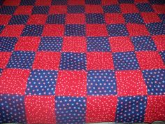 all rows sewed together with backing alternating red and blue material. Denim Quilt Patterns, Beginner Quilt Patterns, Quilting For Beginners, Quilt Patterns Free, Rag Quilt Instructions, Blue Jean Quilts, Denim Crafts, Boy Quilts, Traditional Quilts