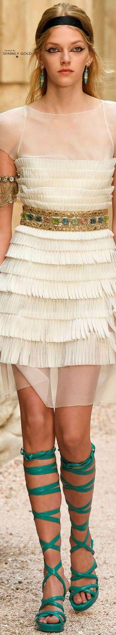 Chanel Resort 2018 ♛BOUTIQUE CHIC♛ @michaelOXOXO @JonXOXOXO @emmaruthXOXO @emmammerrick  #FASHION&STYLE