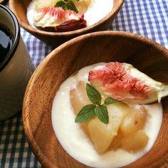 Cardamon flavor, compote of pear with yoghurt/カルダモン風味な洋梨のコンポート、ヨーグルト添え