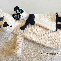 Nu finns mönster på panda snutten med på bloggen - bara på svenska än så länge  . Pattern for the panda is on the blog - but only in Swedish for now  the Polar Bear is in English and Swedish  . #favoritgarner #favoritgarnerheartsscheepjes #scheepjesinsweden #scheepjes #catona #stonewashedxl #virka #crochet #annavirkpanna #annavirkpannadesign #panda #polarbear #isbjörn #ragdoll #snuttis #crochetgirlgang #virkstagram #crochetersofinstagram