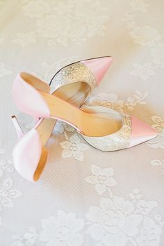 Pink And Glitter Gold Kate Spade Wedding Shoes Pretty Shoes, Beautiful Shoes, Cute Shoes, Me Too Shoes, Bridal Shoes, Wedding Shoes, Wedding Rings, Pink High Heels, Pink Shoes