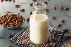 You know I love almond milk and other dairy-milk alternatives. They are a MUCH better choice than drinking cow's milk. Make Almond Milk, Almond Milk Recipes, Homemade Almond Milk, Cashew Milk, Coconut Milk, Soy Milk, Almond Nut, Homemade Vanilla, Health Benefits Of Almonds