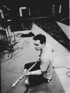 Mark Hoppus - Blink 182; God he's gorgeous here.