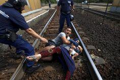 Reuters wins Pulitzer for photography of migrant crisis | Reuters.com