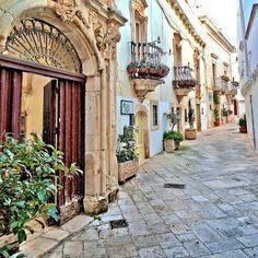 Have a wonderful weekend everyone. Locorotondo #Puglia #italy #Sognoitaliano johnenpieter.com