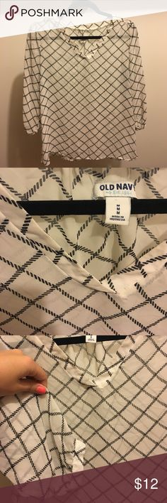 Old Navy Blouse • Gently Used Old Navy sheer blouse, gently used and in great shape! 3/4 sleeve length. Cute nautical pattern with sailor knot looking navy blue stripes! Goes great with a great pair of jeans for a cool summer night! Old Navy Tops Blouses
