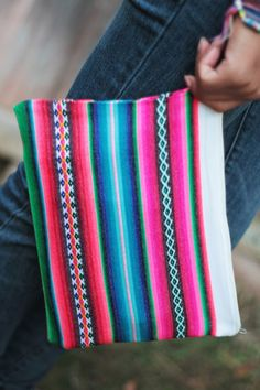 DIY turn a table placemat into a large clutch purse