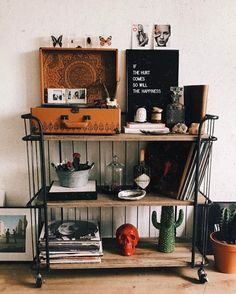 // Pinterest naomiokayyy home, house, goals, decor,interior design,bedroom,kitchen, Living room,bathroom, office, study, exterior, house, architecture