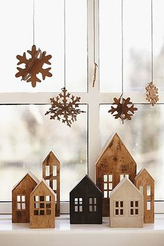 Creative Christmas Villages - Mine for the Making Classy Christmas, Minimal Christmas, Noel Christmas, Winter Christmas, Christmas Crafts, Scandi Christmas, Christmas Window Display Home, Natural Christmas, Beautiful Christmas