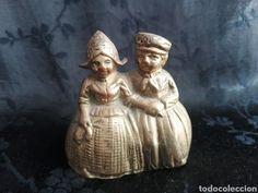 campana de bronce con pareja mujer y hombre de - Comprar Campanas Antiguas en todocoleccion - 144346664 Antiques, Bronze, Couples, Men, Women, Antiquities, Antique