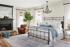Home decor and lifestyle expert, Joanna Gaines releases Homebody: A guide to creating spaces you never want to leave -just in time for gift giving. Weve picked seven super stylish tips from the book to help you create the bedroom sanctuary of your dreams. French Country Bedrooms, French Country Decorating, Cottage Decorating, Fixer Upper Bedrooms, Home Decor Bedroom, Bedroom Ideas, Decor Room, Bedroom Art, Cozy Bedroom