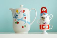 Extra+extra+large+lovebirds+in+the+apple+tree+teapot+by+    This one is sold -  too bad, it is really cute!