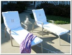 Easy Ways to Make Indoor and Outdoor Chair Cushion Covers Pool Lounge Chairs, Outdoor Lounge Chair Cushions, Outdoor Dining Chairs, Patio Cushions, Beach Chairs, Outdoor Chair Covers, Outdoor Furniture, Floor Cushions, Outdoor Seating