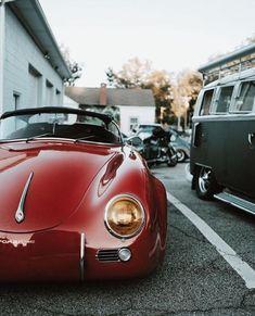 Porsche 356 Speedster and VW Kombi :) Vintage Porsche, Vintage Cars, Antique Cars, Bugatti, Lamborghini, Ferrari, Porsche Sports Car, Porsche Cars, Vw T1