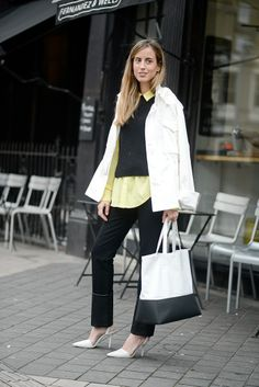 Berta Bernad combines black and yellow in London!  See our post about fresh lemon looks on http://be-in-app.com/lemon-look/
