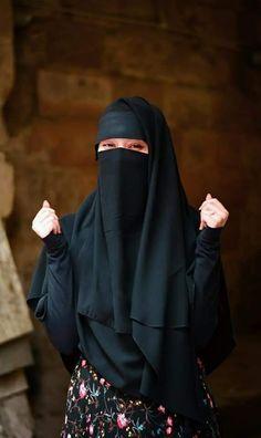 Hijabi Girl, Girl Hijab, Hijab Evening Dress, Evening Dresses, Muslim Women Fashion, Womens Fashion, Niqab Fashion, Face Veil, Hijab Niqab