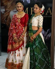 Lehnga Dress 449304500326714374 The Effective Pictures We Offer You About wedding parties dance A quality picture can tell you many things. You can find the most beautiful pictures that can be present Lehenga Choli Designs, Wedding Lehenga Designs, Bandhani Dress, Lehnga Dress, Designer Bridal Lehenga, Indian Bridal Outfits, Indian Bridal Fashion, Designer Party Wear Dresses, Indian Designer Outfits