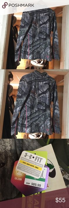 Under Armour Camouflage top women's Large Brand New Cold Gear Under Armour with hood Long sleeve with scent control Women's Large Under Armour Tops