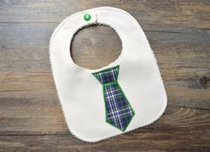 Bavaglino con cravatta a quadri verdi , by Mywonderland, 5,00 € su misshobby.com