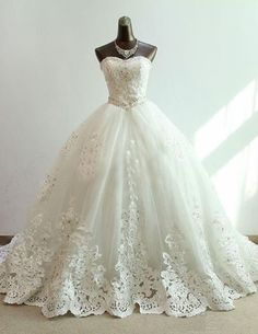 Elegant Ball Gown Tulle&Satin Lace Sweetheart Strapless Beading&Rhinestones Chapel Train For Cinderella Wedding Dress CAW2005